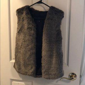 Aritzia Talula Fur Vest